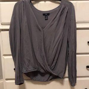 gray Gap blouse